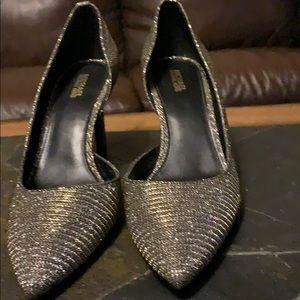 MK beautiful heels.